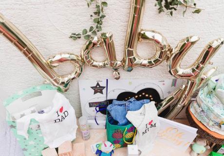 Niedlich und nützlich: Geschenke für das bald kommende Baby (c) fashionblonde