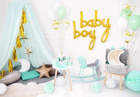 Babyparty-Deko für Jungs kommt klassisch sehr schön in Blau, Mint, Weiß etc.