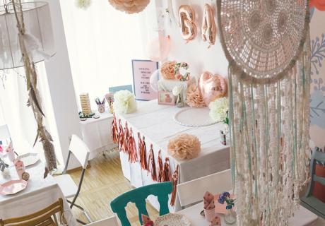 Für die Babyparty kannst du den ganzen Raum dekorieren (c) sandrasara_