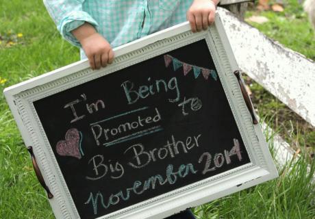 Ich werde großer Bruder - mit kleinen Ideen freuen sich Geschwisterchen noch mehr aufs neue Baby (c) Laura Philips on Pixabay