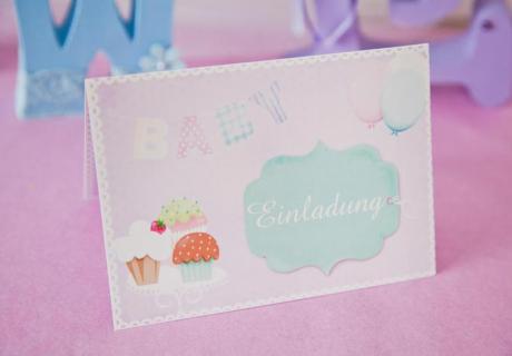 Denke bei den Babyparty-Einladungen an die Wünsche der Bald-Mama